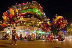 Bilderesultat for old town hanoi vietnam Pont Du Gard, Ha Long Bay, Hanoi Vietnam, Mysterious Places, Top Destinations, City Streets, Old Town, Wonders Of The World, Street View