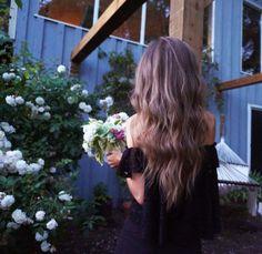 // GARDEN, FLORA, LIFESTYLE //   flower girls *  #laurelisays  https://www.instagram.com/laurelisays/