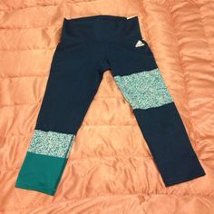Adidas climalite asymmetrical leggings Brand new never worn, patterned capris leggings. Mid-rise, tags read small. I would suggest they also fit x-small and medium. There's a little interior pocket and overall these are just hecka cute. Make me an offer, thanks! Adidas Pants Leggings