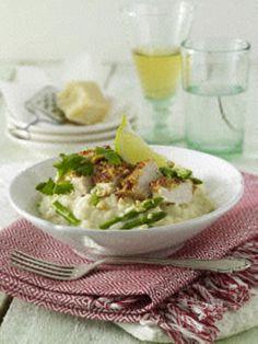 Hähnchenfilet-mit-Erdnuss-Koriander-Kruste-auf-Spargelrisotto