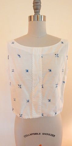 Sweet Vintage 1950s Embroidered Sleeveless Lace by VintageZipper