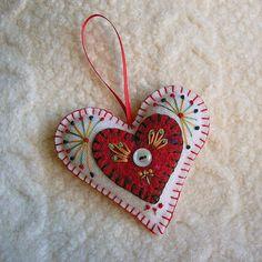 """Sweet White and Red felt heart by Cheryl of  """"Felt Sew Good""""; see her Blog here: feltsewgood.blogspot.com/"""
