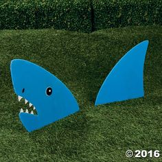 The Land Shark Yard Stake is designed for large gardens or placing in the yard. The large blue head of a shark and large fin comes in two parts made of ...