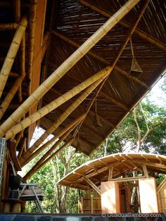 This beautiful Guadua bamboo house in Costa Rica, is located near Playa Sombrero at the Osa Peninsula. The bamboo house was designed and built by Costa Rican architect Mariela Garcia and her husband Steve Jurries. Bamboo Architecture, Tropical Architecture, Architecture Details, Vernacular Architecture, Amazing Architecture, Bamboo Building, Natural Building, Houses In Costa Rica, Bamboo Bamboo