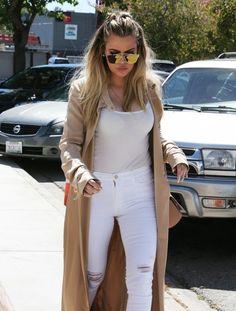 Khloe Kardashian Photos - Khloe Kardashian Visits a Studio in Van Nuys - Zimbio Khloe Kardashian Outfits, Koko Kardashian, Estilo Kardashian, Kardashian Beauty, Kardashian Jenner, Kardashian Family, Kendall Jenner, Khloe Hair, Swagg