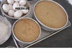 De Eksi Koekoe Surinaamse Eieren Cake Het Is Lekker Luchtig Zacht En  cakepins.com