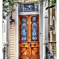 A Pleasant House: Doors to the Soul - about wonderful doors of the south