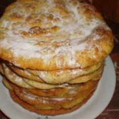 Placinte rapide Romanian Food, Romanian Recipes, Pastry Cake, Sweet Cakes, Donuts, Good Food, Food And Drink, Cooking Recipes, Ice Cream