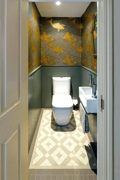 Cloakroom ideas for the best downstairs toilet & small bathroom - Cloakroom ideas for the best downstairs toilet & small bathroom traditional cloakroom with gold fish wallpaper at battersea house Informations About Clo Small Downstairs Toilet, Small Toilet Room, Downstairs Cloakroom, Guest Toilet, Cloakroom Sink, Wallpaper Toilet, Fish Wallpaper, Cloakroom Wallpaper, Bold Wallpaper