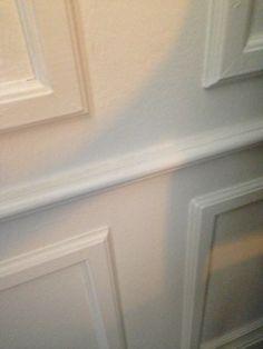 En enkel måte å få antikk stil på veggene. Lister på glatt vegg.