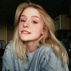 Blonde Wigs Lace Hair Brown Wigs Short Pink Wig Best Toner For Yellow Bleached Hair Rupaul Wigs Pretty People, Beautiful People, Makeup Tumblr, Pink Wig, Photo Portrait, Lace Hair, Blonde Wig, Grunge Hair, Inspiring Photography