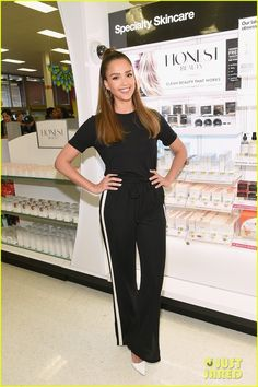 jessica-alba-hosts-honest-beauty-makeup-takeover-in-nyc-02.jpg (814×1222)