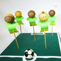 cake pop Fußballer Cake Pops, Cake Pop Tutorial, Sport, Finger Food, Football Soccer, Studying, Ice, Baking, Deporte