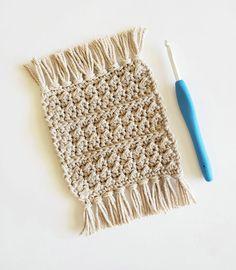 Crochet Coaster Pattern, Crochet Beanie Pattern, Easy Crochet Patterns, Crochet Ideas, Crochet Home, Crochet Gifts, Knit Crochet, Tapestry Crochet, Crochet Placemats