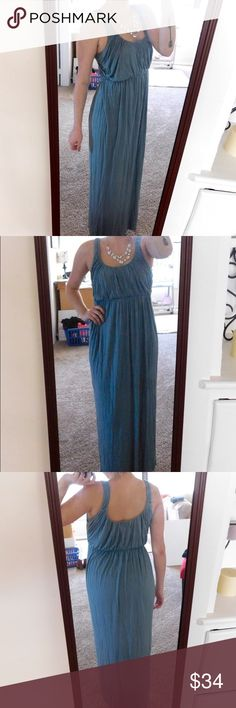 J. Crew Gathered Maxi Dress In excellent used condition with minor signs of wear in the material, but nothing major or noticeable. Great summer dress! Super lightweight and comfy, but still chic! Size small, but would also fit a medium in my opinion. I'm a size 6/8 for reference. Smoke/pet free home. Ask all questions before buying  NO trades❌ Bundle for a discount!  Please note: the color in the photos makes it look slightly darker than the actual color. J. Crew Dresses Maxi