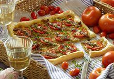 Opskrift | Frokost tærte | Sjov ide til madkurven | Tapas-ret | Tærte med tomater, løg og ansjoser | Sund mad med god smag