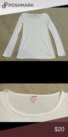 White Long Sleeve Knit Scoop Neck Shirt Mossimo Brand Size Medium White Linear Knit-like material Scoop neck  *Tags Express, forever 21, h&m, Roxy, billabong, volcom, PAC sun, Pacific Sunwear, Tilly's, full tilt, zumiez, obey, Hurley, white top, white T-shirt, white long sleeve, scoop neck Mossimo Supply Co. Tops Tees - Long Sleeve
