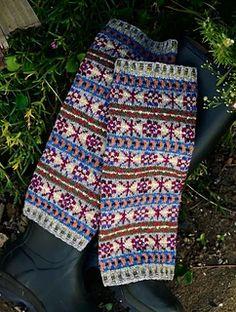 Fair Isle Legwarmers pattern by Yoko Hatta (風工房) Fair Isle Knitting, Yoko, Leg Warmers, Ravelry, Pattern, Fashion, Sacks, Captain Hook, Loom Knit