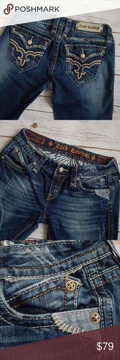 "Rock Revivial Alana straight leg jeans Great condition! Amazing straight leg jeans with unique back pocket signature logo design. Functional flap pockets.  Inseam 31"" Rise 7.5"" Fabric 98% cotton, 2% elastane  Size 27 Style Elana straight Rock Revival Jeans Straight Leg"