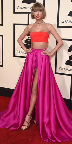 See Your Favorite Stars On The 2016 Grammys Red Carpet - Taylor Swift - from InS. Taylor Swift Rot, Taylor Swift Party, Taylor Swift Style, Red Carpet Ready, Red Carpet Looks, Celebrity Red Carpet, Celebrity Style, Fashion Fail, Couture