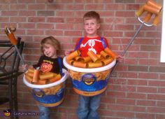 This Easy Mac duo. 23 Kids Who Are Totally Nailing This Halloween Thing Homemade Costumes For Kids, Homemade Halloween Costumes, Easy Costumes, Halloween Costume Contest, Creative Halloween Costumes, Cute Halloween, Halloween Costumes For Kids, Costume Ideas, Halloween Stuff