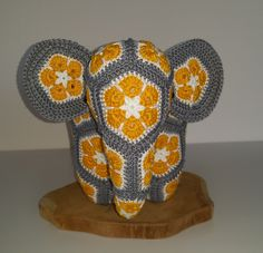 Crochet Elephant from african flowers (medium), African flower olifant Crochet Motif, Crochet Flowers, Crochet Toys, Crochet Patterns, Crochet Elephant, Elephant Pattern, Baby Blanket Crochet, Crochet Baby, African Flower Crochet Animals