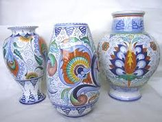 Risultato della ricerca immagini di Google per http://www.ceramicaricciardelli.com/img/pezzi_speciali/vasi_pavona.jpg
