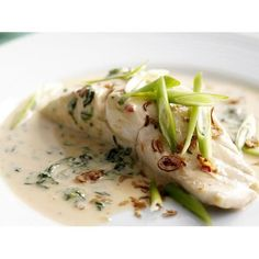Nice Minus rice and sugar! Dinner – Coconut-poached fish with spinach The post Minus rice and sugar! Dinner – Coconut-poached fish with spinach… appeared first on Recipes 2019 . Fish Dishes, Seafood Dishes, Seafood Recipes, Halibut Recipes, Poached Fish Recipes, Spinach Recipes, Pescatarian Recipes, Vegetarian Recipes, Healthy Recipes