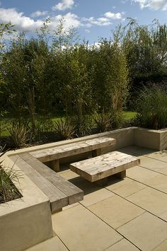 The Modern Family Garden by Earth Designs. www.earthdesigns.co.uk. London Garden Design and landscape build.