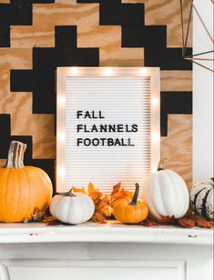 10 Clever Fall Sayings for Your Letter Board + A Free Fall Printable, #BOARD #Clever #fall #Free #letter #Printable #sayings #ThanksgivingMessagesquote Felt Letter Board, Felt Letters, Fall Boards, Halloween Letters, Thanksgiving Messages, Licht Box, Fall Fireplace, Fall Home Decor, Fall Apartment Decor