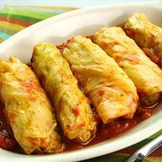 Syrian meatless cabbage rolls. Tangy, spicy, and very filling.  - Syrian Cabbage Rolls (Mihshee Malfoof bi Burghul)