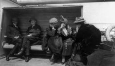 Groups of Titanic survivors aboard rescue ship Carpathia: Mr. Harder and Mrs. Charles M. (Library of Congress Prints and Photographs Division Washington, D. Rms Titanic, Titanic Sinking, Titanic History, Titanic Wreck, Titanic Photos, Titanic Movie, Belfast, Southampton, Rms Carpathia