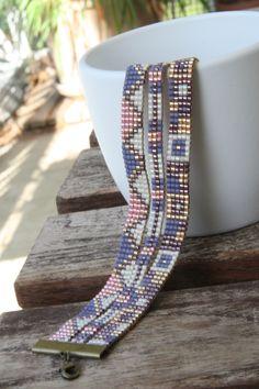 Ou fruit du dragon parceque les couleurs de ces deux bracelets sont très très approchants de ce fruit. Deux bracelets!!!!!! Et bien oui il...