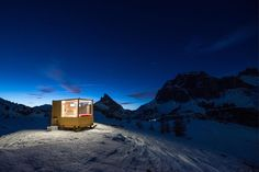 A cabin on skis in the Dolomites http://ift.tt/2yGuL3S