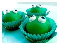 Kermit the Frog inspired Lil Rae Cakes