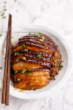A generation passed Mei Cai Kou Rou recipe, steamed pork belly with preserved mustard green. Braised Pork Belly, Pork Belly Recipes, Steam Recipes, Pork Dishes, Asian Cooking, Mets, Asian Recipes, Hawaiian Recipes, Indonesian Recipes