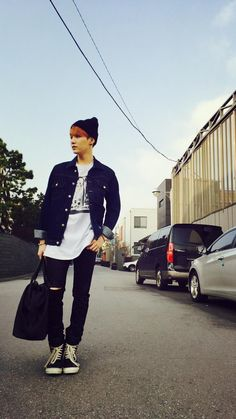BTS tweet - Suga ; taken by V 150403 [trans] Ah, V took a pictore of me without permission ㅡㅡ Trans cr; Mary @ bts-trans
