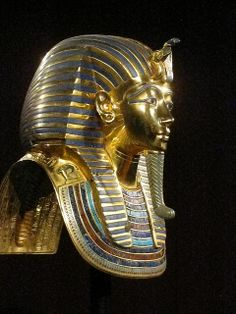 """Jon Manchip White writes, in his foreword to the 1977 edition of Carter's The Discovery of the Tomb of Tutankhamun, """"The pharaoh who in life was one of the least esteemed of Egypt's Pharoahs has become in death the most renowned."""""""