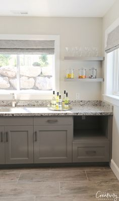 Wall color is Benjamin Moore Collingwood would look good with granite Kitchen Wall Colors, Kitchen Colour Schemes, House Color Schemes, Kitchen Paint, Bathroom Colors, House Colors, Kitchen Walls, Design Kitchen, Kitchen Ideas