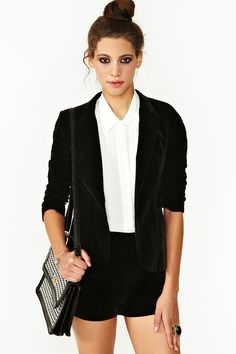 Been Looking for a black velvet blazer everywhere! but now i need shorts to go with it!! love this!