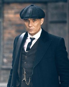 Tommy Shelby's back doing bad things in just 2 days. New episode this Wed on 📷 Peaky Blinders Season 5, Peaky Blinders Quotes, Peaky Blinders Thomas, Cillian Murphy Peaky Blinders, Gangsters, Cillian Murphy Tommy Shelby, Murphy Actor, Alfie Solomons, Finn Cole