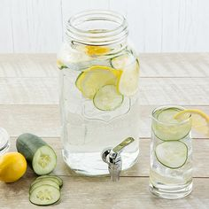 Learn how to prepare this Refreshing Cucumber Lemon Water recipe like a pro. With a total time of only 60 minutes, you'll have a delicious dish ready before you know it. Detox Water Benefits, Cucumber Water Benefits, Cucumber Detox Water, Lemon Health Benefits, Drinking Warm Lemon Water, Hot Lemon Water, Mint Water, Lemon Detox, Water Recipes
