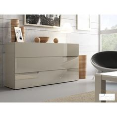 Gloria - lacquer Italian sideboard fast delivery. Luxury Italian sideboard with a high gloss or matt lacquer finish.