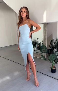 Classy Dress, Classy Outfits, Chic Outfits, Designer Party Dresses, Club Party Dresses, Elegant Dresses, Beautiful Dresses, Formal Dresses, Evening Dresses
