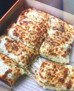 food cravings Do you like cheese Tag some friends to share with amazinfoodie for more amazing food Thanks to all new ers Think Food, I Love Food, Good Food, Yummy Food, Fun Food, Comida Pizza, Pizza Food, Meat Food, Pizza Pizza