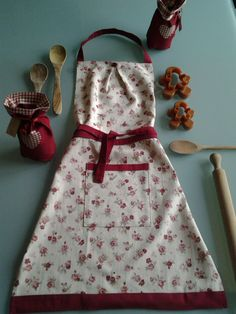 roses apron - grembiule con rose http://elbichofeo.blogspot.com https://it-it.facebook.com/pages/Bicho-feo/382736388432736?sk=map&activecategory=Foto&session_id=1334324293