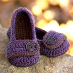Toddler Crochet Pattern for Valerie Slipper por TwoGirlsPatterns