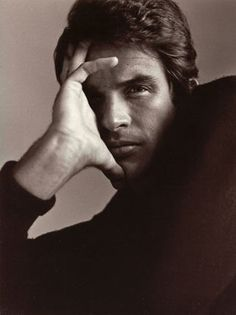 WARREN BEATTY, by Richard Avedon, 1989.