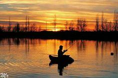 #tramontorosso #sun #sundown #solcalante #pesca #fishing #themaskedphotographer #the_maskedphotographer #sunset