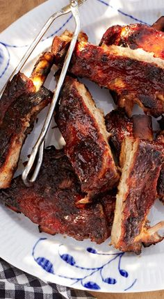 How to make tender, fall-off-the-bone ribs like barbecue joints.